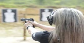 Em BH, mulheres passam a buscar escolas de tiros