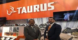 Taurus apresenta produtos premiados e novo CEO de sua subsidiária americana na maior feira de armas do mundo