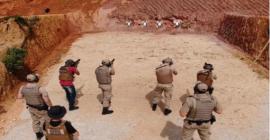 Policiais de Brusque recebem curso de habilitação para uso de fuzis