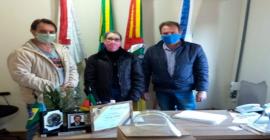 Copes efetua entrega de máscaras doadas pela Taurus em Morro Redondo