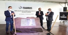 Eduardo Leite lança pedra fundamental de ampliação da Taurus
