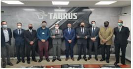 Comitiva de alto nível do Ministério da Defesa faz nova visita à Taurus Armas