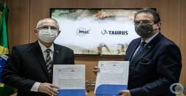 IMBEL e TAURUS ARMAS firmam Memorando de Entendimento