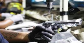 Fabricante de armas Taurus volta a valer mais de R$ 1 bilhão